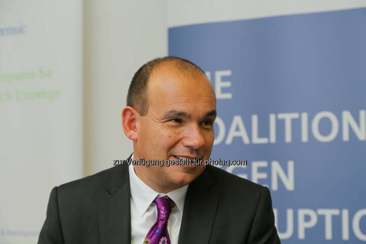 Michael Woodford  (ex-CEO Olympus und Whistleblower) beim Pressegespräch Whistleblower – Freund oder Feind? (Bild: Deloitte Österreich/APA-Fotoservice/Tanzer)