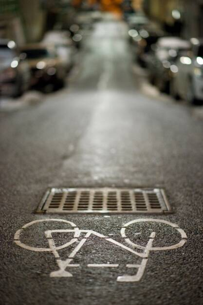 Radweg bei Nacht, Rad, © Eizinger (04.04.2014)