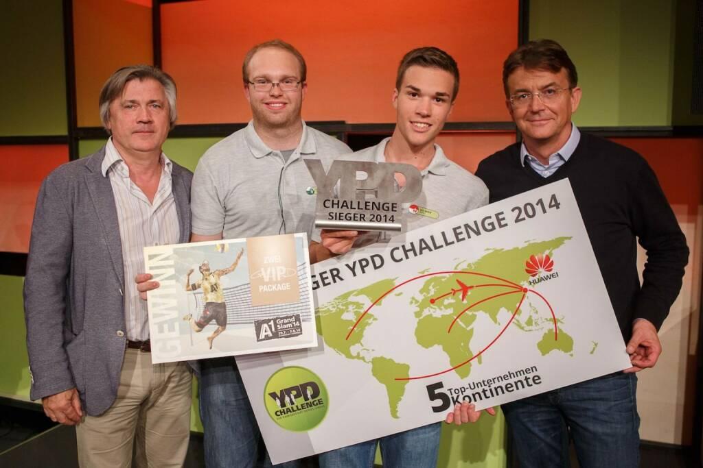 Klaus Bassiner (Programmdirektor ServusTV), Markus Holzmannhofer (2. Platz), Gerald Pollak (1. Platz), Hannes Jagerhofer (YPD-Initiator und Geschäftsführer ACTS Group) © ServusTV-Florian_Wieser (05.04.2014)