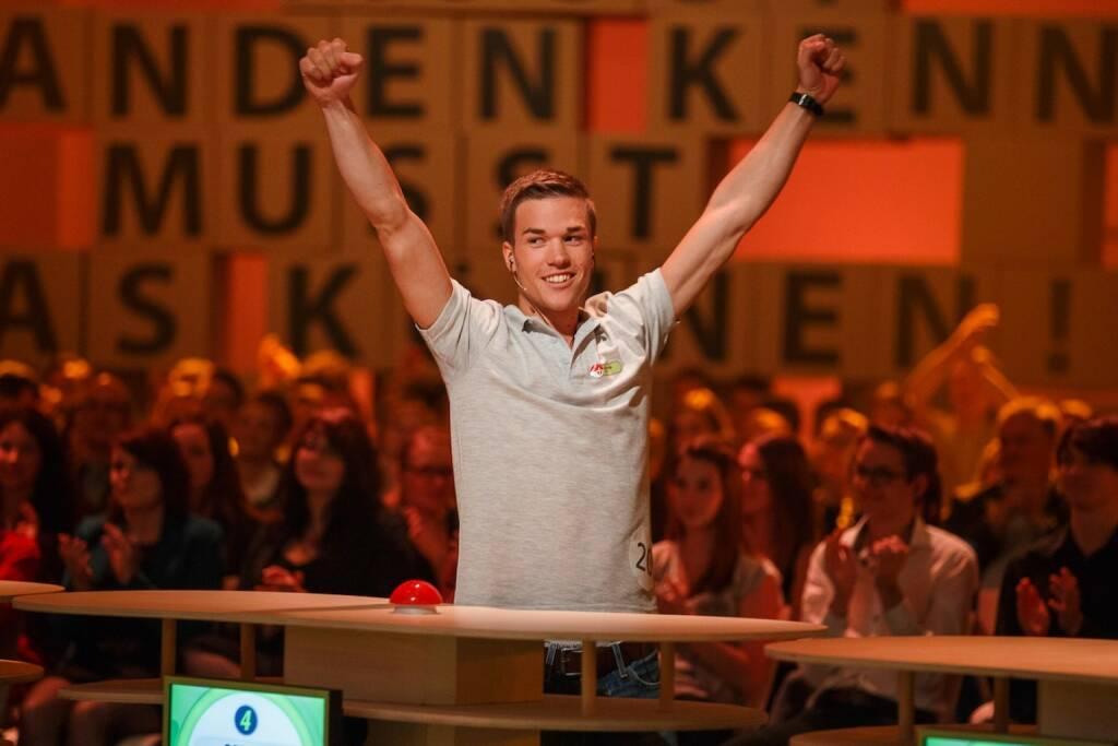 Der YPD-Gewinner 2014 Gerald Pollak aus Wien beim Einzug ins Finale © ServusTV-Florian_Wieser (05.04.2014)