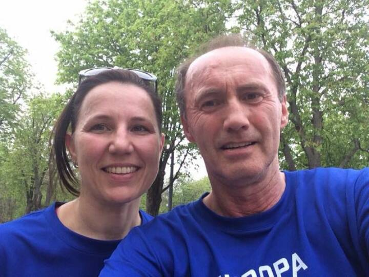 Laufen für Europa. Die Tiroler Kandidatin zum Europäischen Parlament, Barbara Schennach, mit Othmar Karas