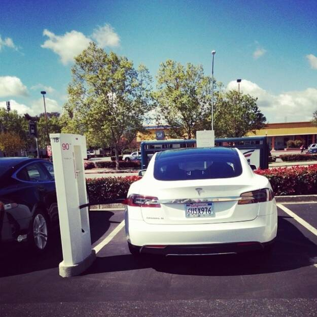 So yeah, Elon Musk. Let's see how convenient driving down to LA in a Tesla really is., © Elisabeth Oberndorfer (07.04.2014)