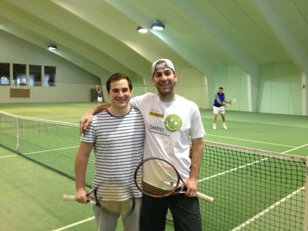 Tennis Smeil - Sportle.me-Co-Gesellschafter Florian Resch (Shirt in der Palfinger-Kollektion) (07.04.2014)