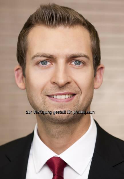 Maximilian Rieder, Investor Relations Wienerberger, http://boerse-social.com/launch/aktie/wienerberger, © die jeweiligen Unternehmen (07.04.2014)