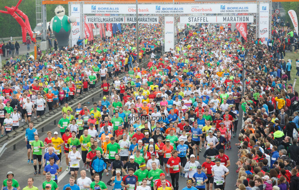 Start Borealis Linz Marathon, Fotograf: Klaus Mitterhauser, © Martina Draper (08.04.2014)