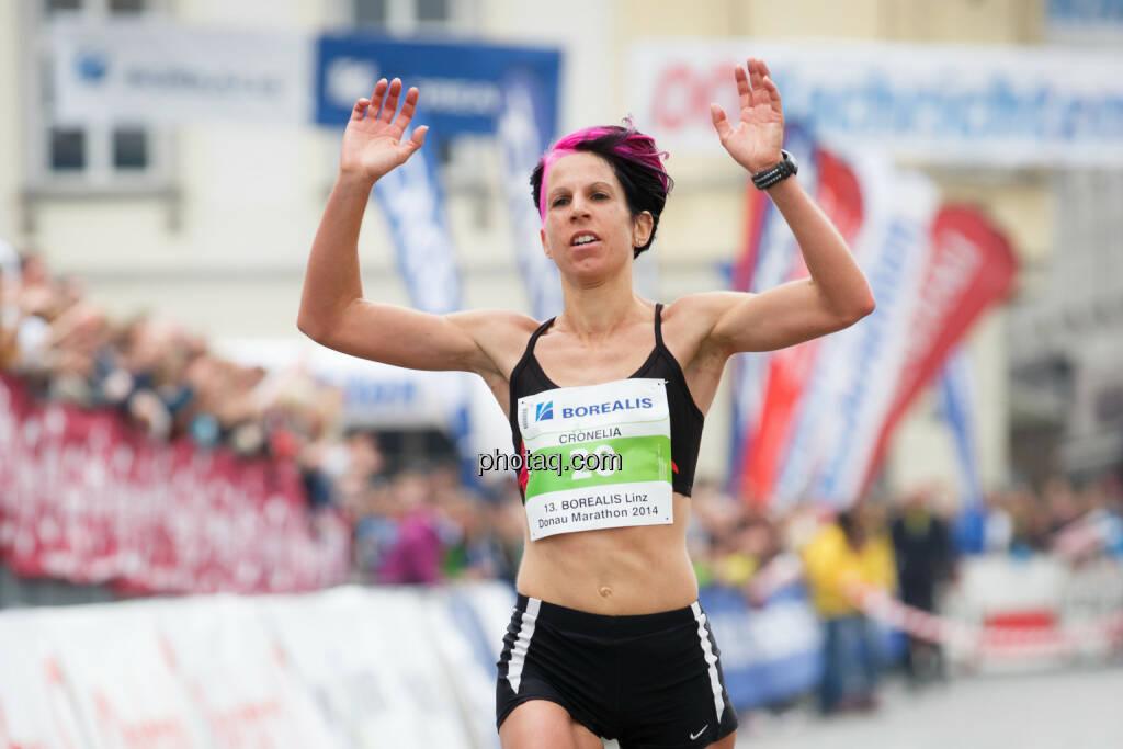Cornelia Köpper, schnellste Österreicherin beim Borealis Linz Marathon, Fotograf: Klaus Mitterhauser, © Martina Draper (08.04.2014)