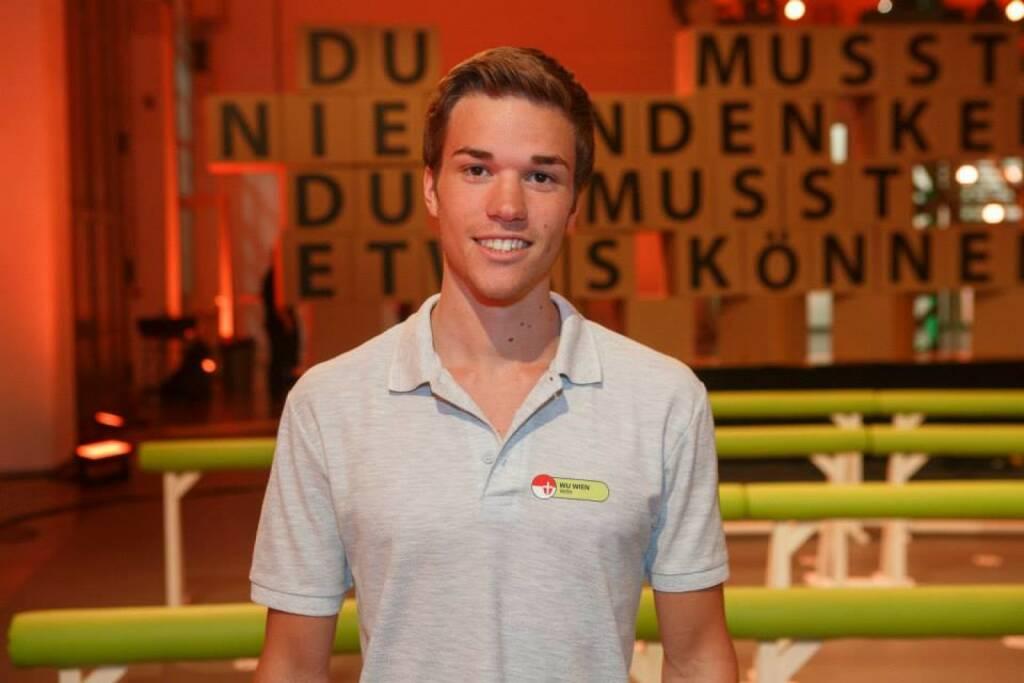 Gerald Pollak, Sieger YPD-Challenge (9. April, YPD siehe http://www.finanzmarktfoto.at/page/index/1157), finanzmarktfoto.at wünscht alles Gute (c) Servus TV (09.04.2014)