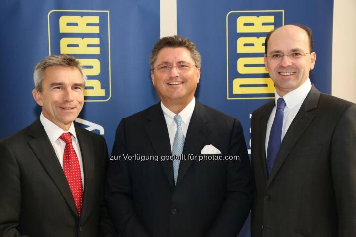 Hans Wenkenbach (COO Porr), Karl-Heinz Strauss (CEO Porr) und Christian B. Maier (CFO Porr) freuen sich über hervorragendes Jahresergebnis 2013 - Der Konzern konnte seine Produktionsleistung um 19,0 % bzw. EUR 548 Mio. auf EUR 3.439 Mio. steigern. Neben der guten Entwicklung in den Heimmärkten (Österreich, Deutschland, Schweiz, Polen und Tschechien) trug vor allem die Kernkompetenz Infrastruktur zu diesem Wachstum bei. Der Auftragsbestand erreichte mit EUR 4.591 Mio. einen neuen historischen Höchstwert. (Bild: Porr AG/APA-Fotoservice/Schedl)