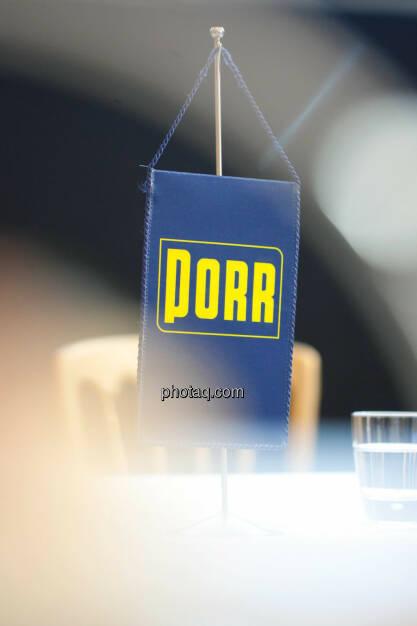 Porr, Wimpel, © Michaela Mejta für finanzmarktfoto.at (09.04.2014)