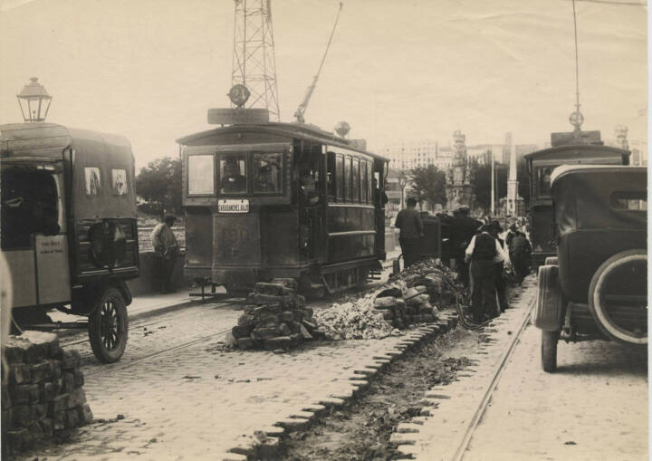 Underground telephone network at Puente de Toledo, Madrid (1926), Telefonica