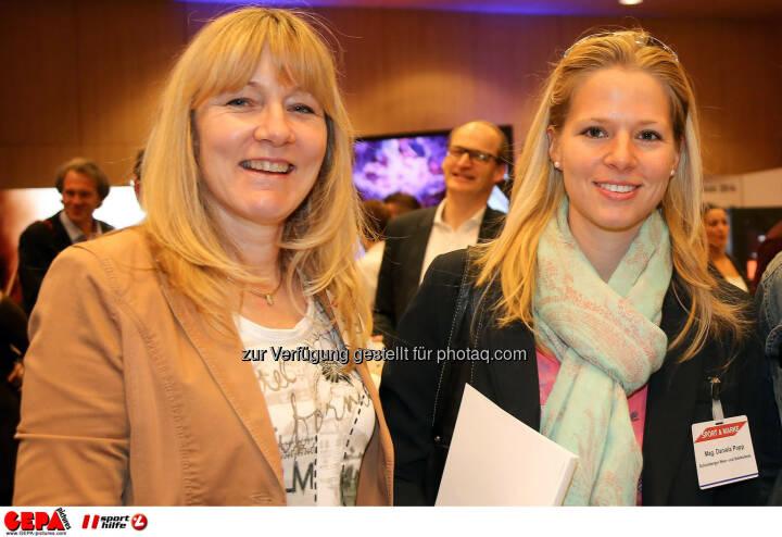 Christa Wiegert und Daniela Popp (Schlumberger Wein- u Sektkellerei GmbH). (Foto: GEPA pictures/ Christopher Kelemen)