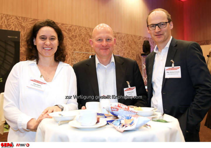 Silvia Martin (Vonach Marketing Services), Geschaeftsfuehrer Hartmut Loesch (match2blue) und Geschaeftsfuehrer Gerhard Vonach (Vonach Marketing Services). (Foto: GEPA pictures/ Christopher Kelemen)