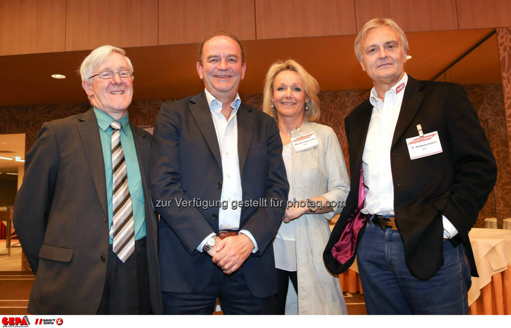Manfred Dimmy, Herbert Prohaska, Marketing Director Maria Bauernfried und Geschaeftsfuehrer Wolfgang Hoetschl (Kelly). (Foto: GEPA pictures/ Christopher Kelemen)  (10.04.2014)