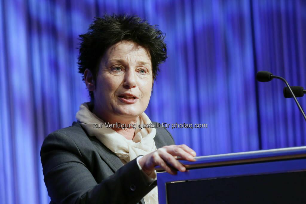 Katrin Altpeter, der Ministerin für Arbeit und Sozialordnung, Familie, Frauen und Senioren bei der Eröffnung der Invest 2014 (Bild: Messe Stuttgart) (11.04.2014)
