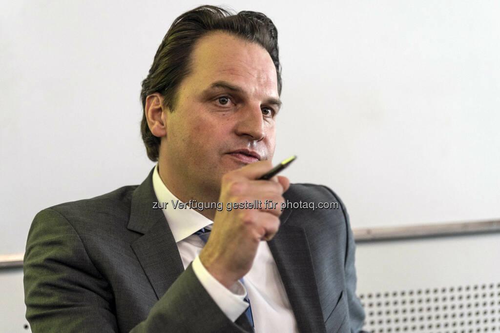 Diskussionsrunde mit Wirtschaftskorrespondent Jens Korte (Bild: Messe Stuttgart) (11.04.2014)