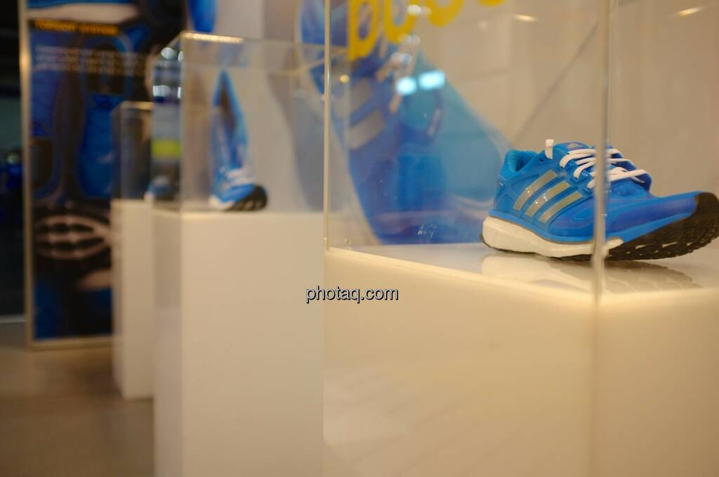 Laufschuh, adidas, © Josef Chladek finanzmarktfoto.at (11.04.2014)