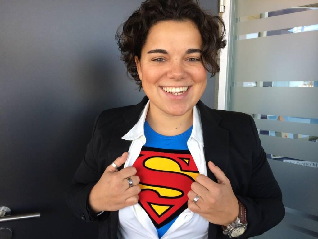 Karin Kernmayer, Immofinanz: Ich freue mich, dass unsere Superman Kampagne von den Lesern des Standards mit der Etat Maus für die beste Online Kampagne des Jahres 2013 ausgezeichnet worden ist. Unsere More than office Offensive mit Superman als Testimonial hat im In- und Ausland große Beachtung gefunden, einige Auszeichnungen erhalten und, das ist das Wichtigste: unsere Zugriffsraten um mehr als 100 Prozent gesteigert (c) Immofinanz, © Aussendung (12.04.2014)