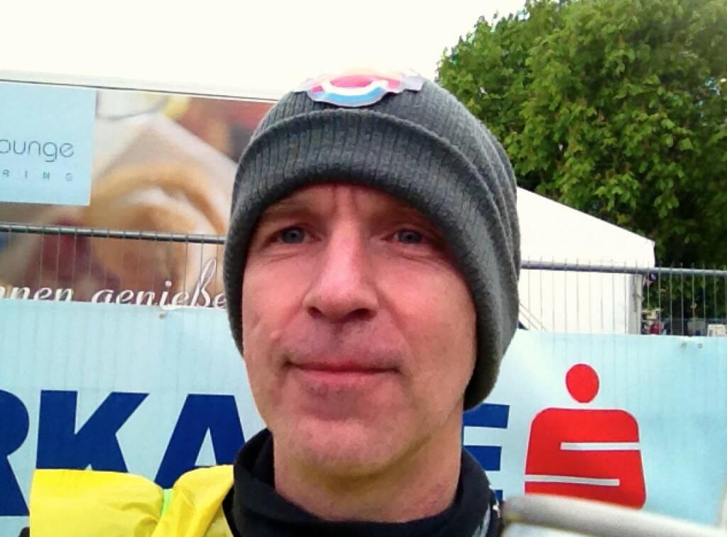 Im Ziel. Warm wars nicht, Selfie (13.04.2014)