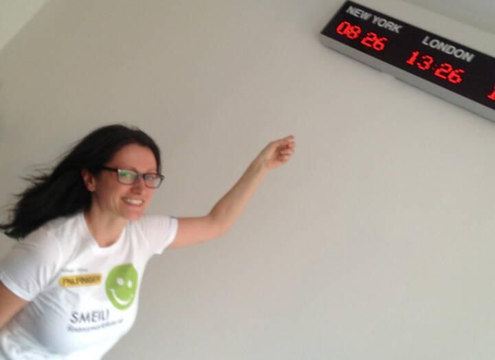 New York, London Smeil: Barbara Baminger (Shirt in der Palfinger-Kollektion)
