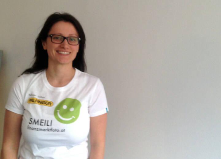 brokerjet Smeil: Barbara Baminger (Shirt in der Palfinger-Kollektion)