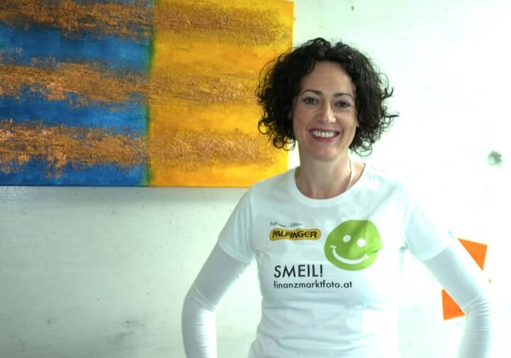 Susanne Lederer Smeil (Shirt in der Palfinger-Kollektion)