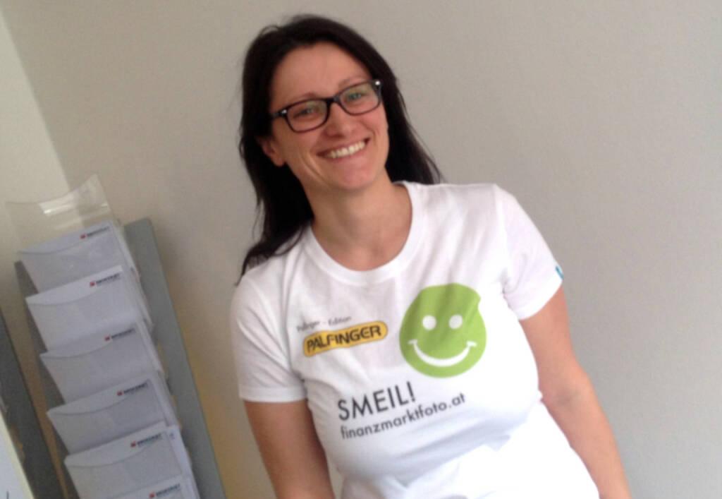 Barbara Baminger Smeil (Shirt in der Palfinger-Kollektion, mehr unter http://finanzmarktfoto.at//page/index/1184 ) (13.04.2014)