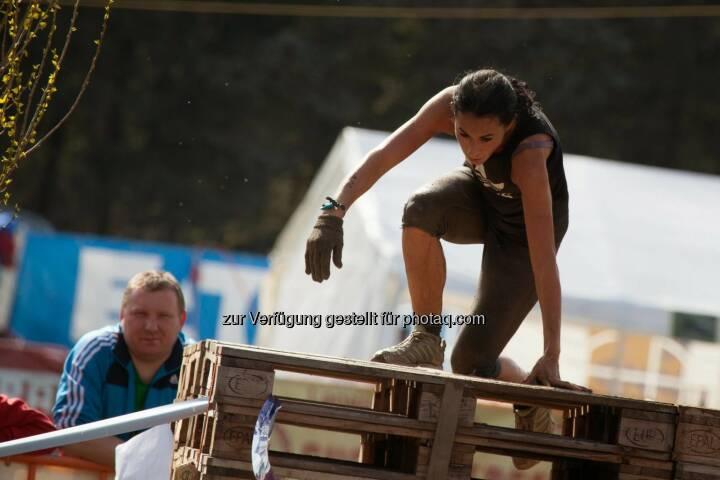 Suzan Aytekin, Journalistin, Lifestyle-Expertin beim Jump Gatsch Enten Crosslauf in Großmeiseldorf
