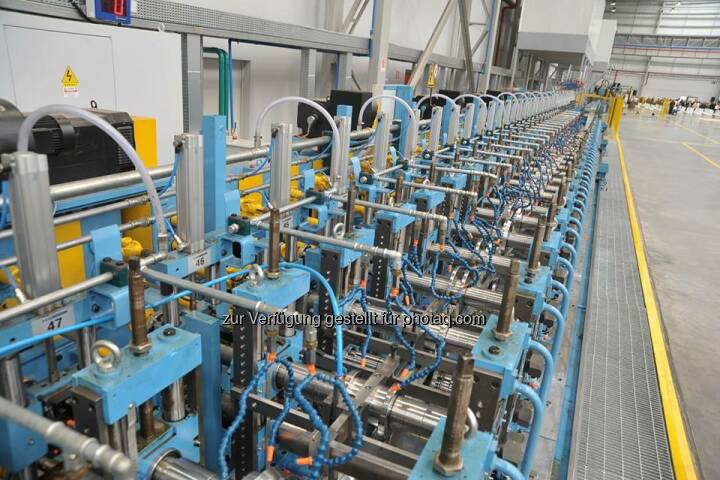 South American wine grows on profiles from voestalpine #Meincol. Meincol's new product is valeno® - a galvanized #vineyard pole which is intended to replace the wooden poles currently in use in South America's vineyards. http://bit.ly/1m9ItlN  Source: http://facebook.com/voestalpine