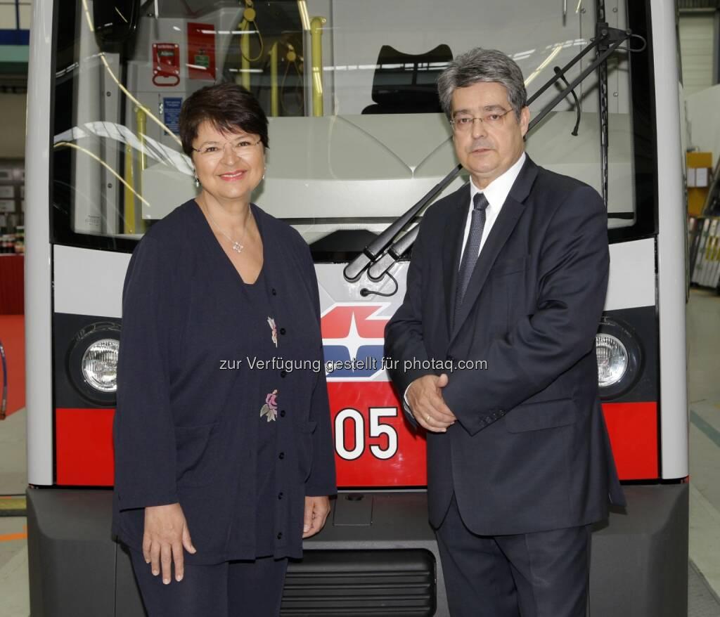 Vizebürgermeisterin Renate Brauner und Siemens-Generaldirektor Wolfgang Hesoun haben bei einer gemeinsamen Pressekonferenz im Siemens-Werk in Wien-Simmering den Stellenwert von Bildung und Ausbildung für den Wirtschaftsstandort Wien betont (Bild: Siemens)  (17.04.2014)
