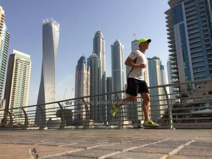 Andreas Schweighofer läuft in Dubai