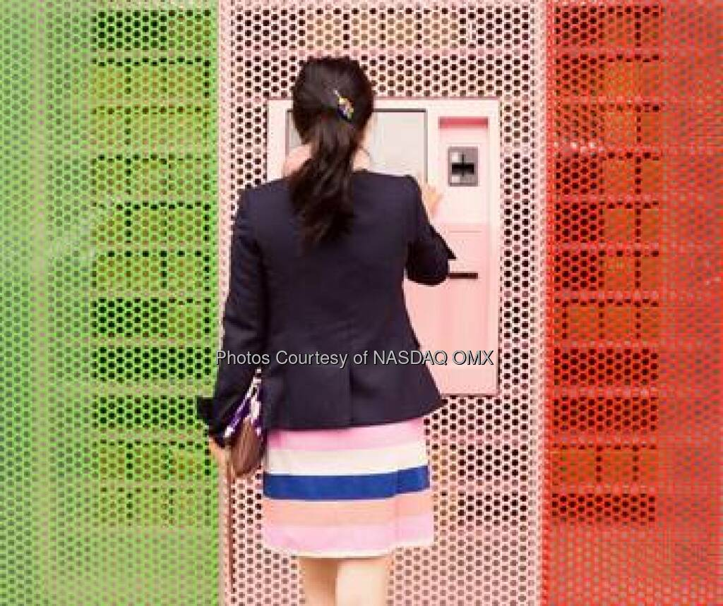 Looking to make a cupcake transaction? @Sprinkles Cupcakes New York has a sweet new offering: The Cupcake ATM. #FridayFun  http://bit.ly/1iwFYXP  Source: http://facebook.com/NASDAQ Automat (18.04.2014)