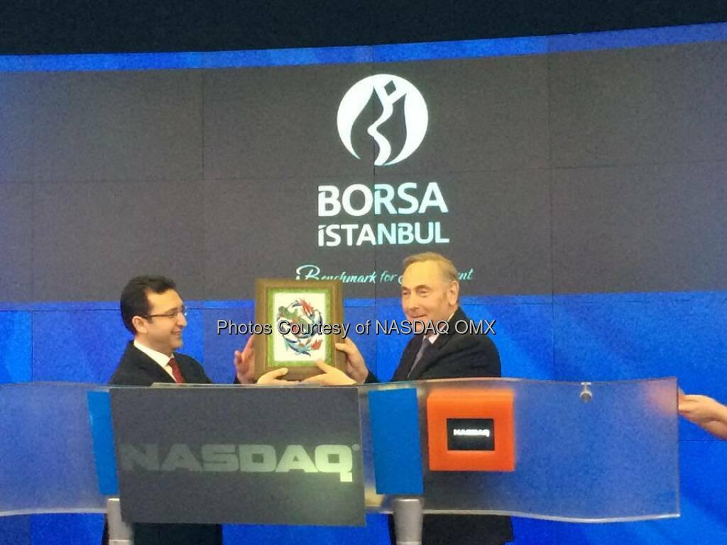 Börse Istanbul läutet die Eröffnungsglocke an der Nasdaq Borsa İstanbul rings the #NASDAQ #OpeningBell to celebrate our strategic partnership! Welcome to the NASDAQ OMX family Borsa İstanbul EN  Source: http://facebook.com/NASDAQ  (21.04.2014)