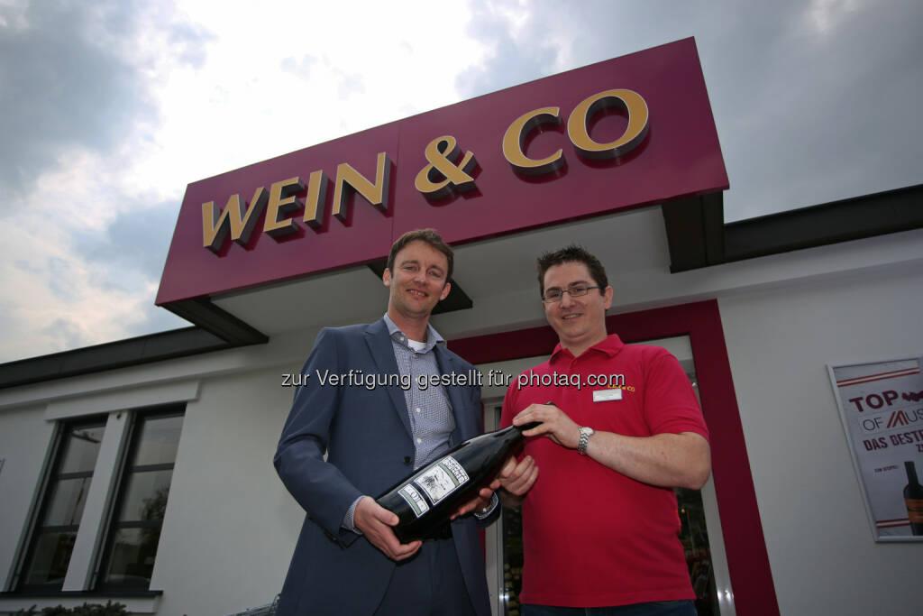 Wein & Co. eröffnet in Linz -  Florian Größwang (Geschäftsführer Wein&Co), Thomas Krivinka (Leitung Shop)  Fotograf: Gregor Hartl Fotocredit: Wein & Co/APA-Fotoservice/Hartl  (24.04.2014)