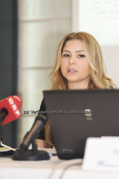 Sevda Sarp (Türkei-Aktienanalystin der Erste Asset Management) (27.04.2014)
