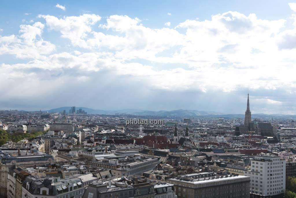 Wien, Stephandsdom, Blick vom Uniqa Tower, © finanzmarktfoto.at/Martina Draper (27.04.2014)