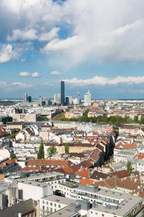 Wien, Donauplatte, DC Tower, Blick vom Uniqa Tower