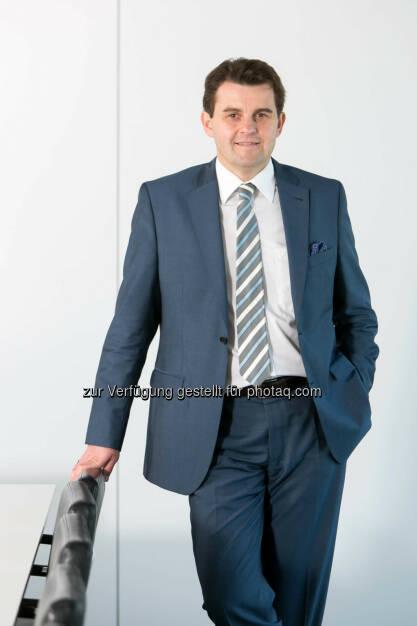 Dietmar Reindl (Immofinanz) mit Wirkung 1. Mai 2014 zum Vorstand bestellt. Neben Eduard Zehetner und Birgit Noggler wird Reindl somit drittes Vorstandsmitglied des Immobilieninvestors und -entwicklers. Er folgt auf Daniel Riedl, der mit der erfolgten Abspaltung der Buwog von der Immofinanz aus dem Immofinanz-Vorstand ausgeschieden ist. (Bild: Immofinanz)  (30.04.2014)