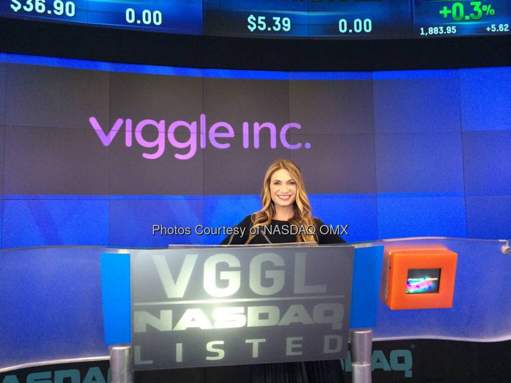 Before the Viggle Opening Bell! #RHONY's @iamHeather Source: http://facebook.com/NASDAQ (01.05.2014)