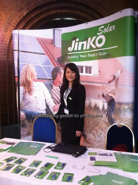 Jinko Solar bei der Large Scale Solar conference in Notts, UK  Source: http://facebook.com/439664686151652 (01.05.2014)