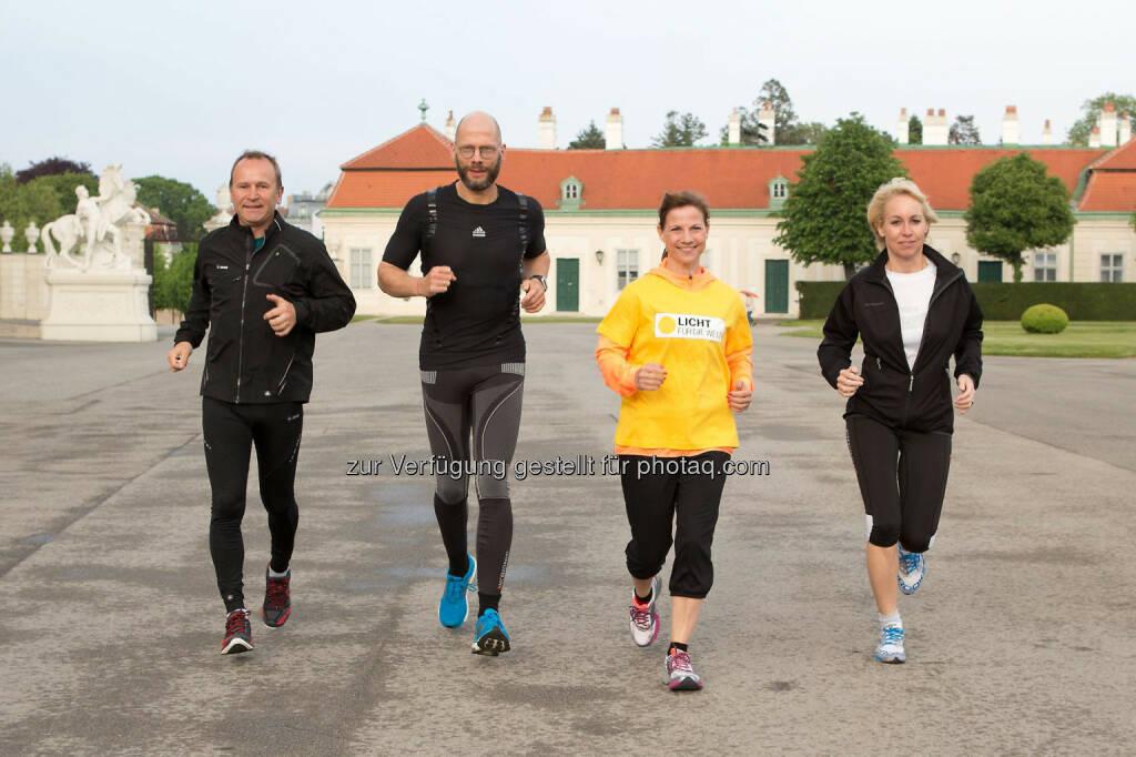 Hannes Menitz, Initiator des erste bank vienna night run, Lauftrainer Christian Beer, Kristina Sprenger, Christine Grafinger (echomedia), © Licht für die Welt (02.05.2014)