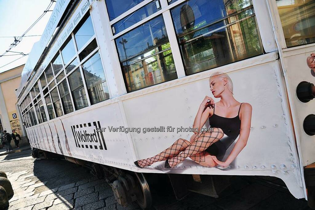 Wolford auf der Strassenbahn in Mailand:In April we run an advertising campaign on some lines of the  Milan urban tramway network. These trams - ATM Class 1500 - are in service since 1929!  Source: http://facebook.com/WolfordFashion (03.05.2014)