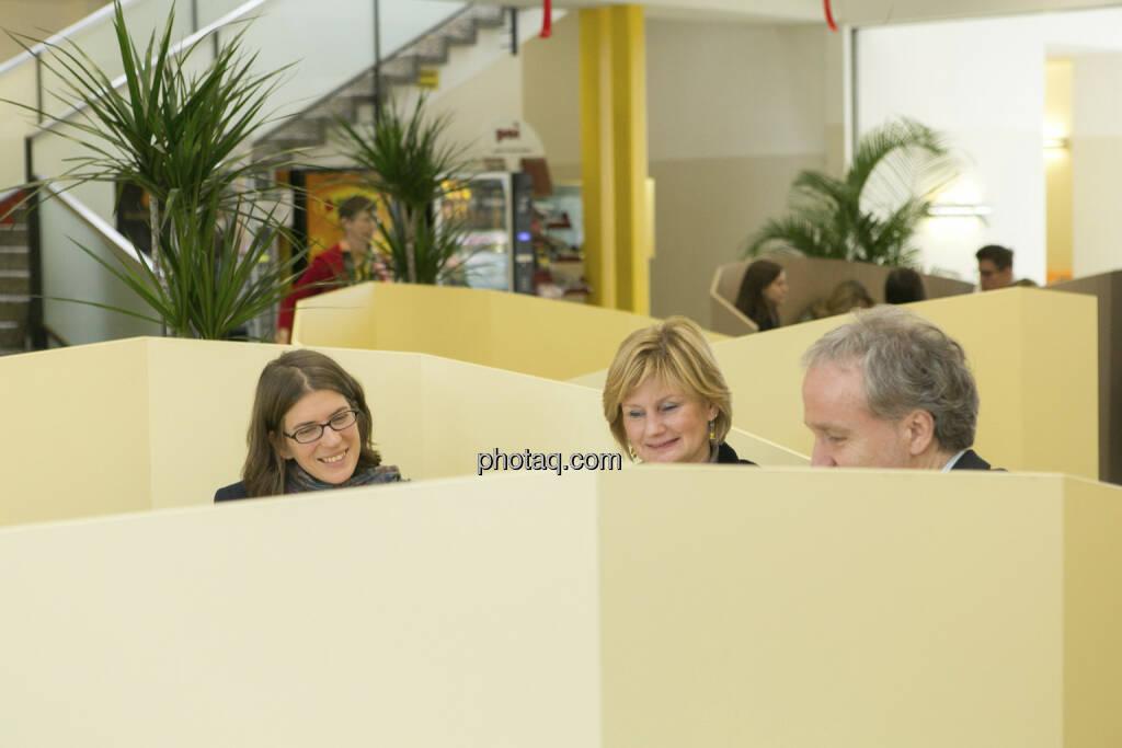 Julia Smid, Susanne Neuner, Christian Drastil in der Vorbesprechung, © Martina Draper/finanzmarktfoto.at (21.12.2012)