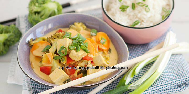 Vegetarisches Thai-Curry mit Tofu - http://www.kochabo.at/vegetarisches-thai-curry-mit-tofu/