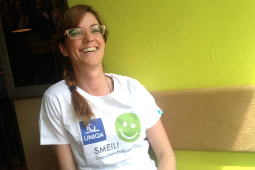 HR Smeil: Monika Kletzmayr (Styria), Shirt in der Uniqa -Kollektion (09.05.2014)