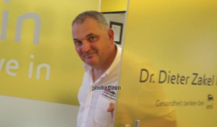 Dieter Zakel, Dr.ive.in in der Krottenbachstrasse - dazu passend http://www.christian-drastil.com/blog/2014/05/12/laufen_bis_der_arzt_kommt
