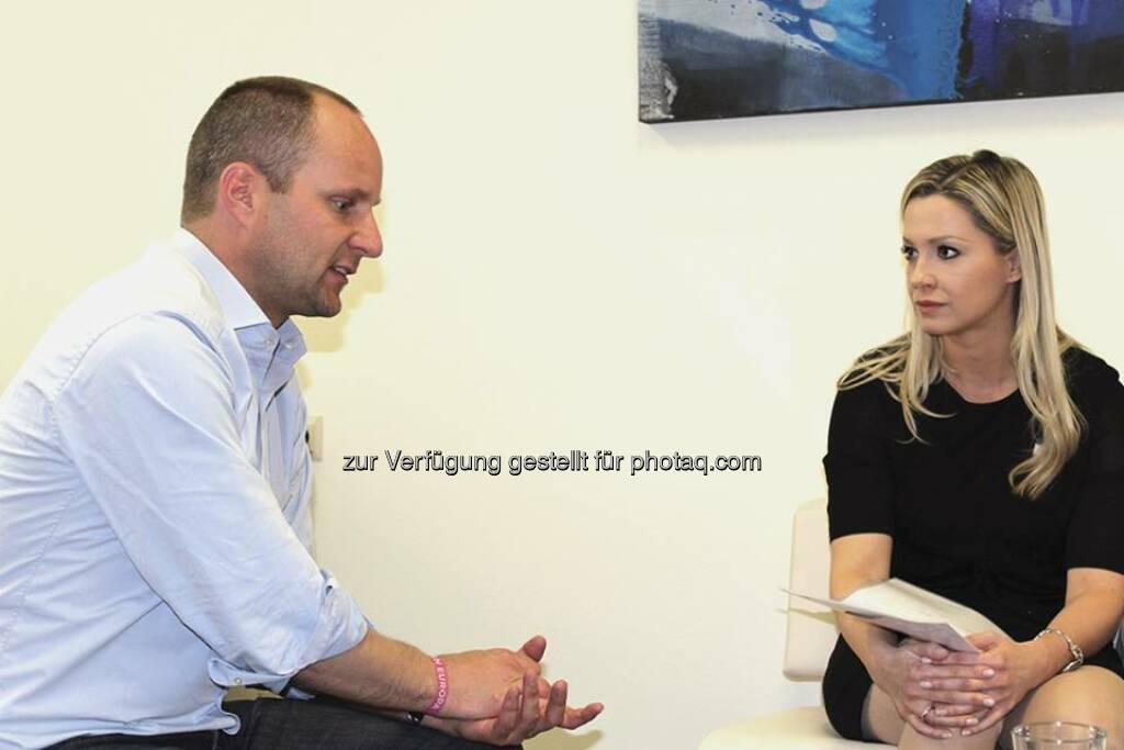Nina Krist, philoro  traf heute Matthias Strolz von der NEOS Partei. Das Interview steht demnächst izum Download zur Verfügung. https://www.philoro.at/index.php/interviews.html  Source: http://twitter.com/philoro (13.05.2014)