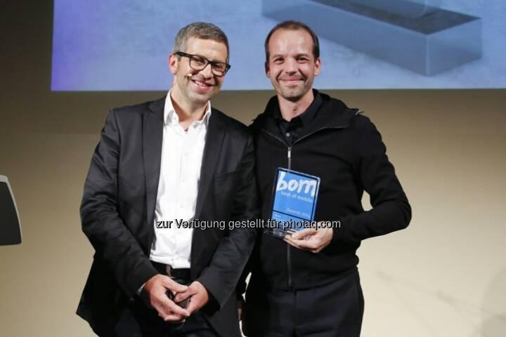 Andre-M. Bajorat (Jurymitglied) und Albert Ortig (Netural-CEO und Roomle-Gründer) - Netural GmbH gewinnt den Best-of-Mobile Award 2014 (Bild: Haymarket Media)