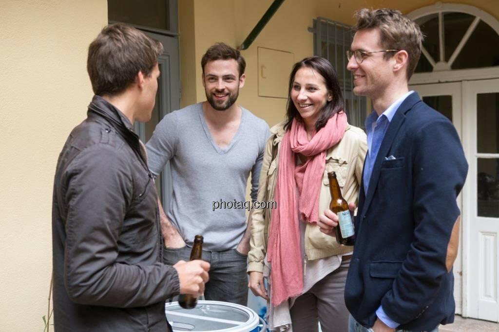 Gerald Pollak (Sieger der YPD-Challenge von ServusTV ), Artur Zolkiewicz (Nixe), Marlies Frey (Sandburg PR), Constantin Simon (Nixe), © finanzmarktfoto.at/Martina Draper (15.05.2014)