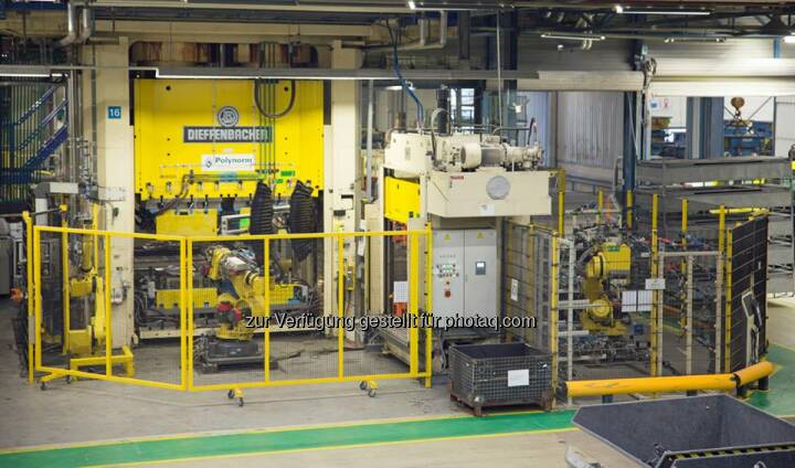 voestalpine Polynorm Plastics B.V. (Niederlande) liefert zukünftig den kompletten Unterboden für ein Fahrzeug der oberen Mittelklasse. Für den Auftrag wird zusätzlich eine neue, komplexe Pressenlinie installiert. http://bit.ly/1lDmRfa Profil: facebook.com/voestalpine