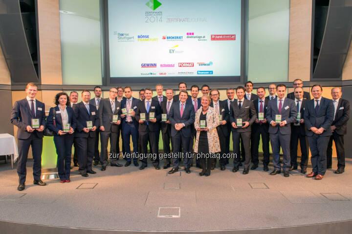 Am 15.5. wurden in den Räumlichkeiten der Raiffeisen Zentralbank AG Österreichs innovativste Zertifikate und die besten Emittenten des Landes ausgezeichnet. Unter elf Mitbewerbern konnte Raiffeisen Centrobank AG (RCB) den Sieg in der Gesamtwertung des Zertifikate Award Austria zum achten Mal in Folge für sich entscheiden. (Bild: RCB)